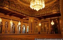 W meczecie sułtana - największa świątynia w Omanie