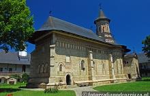 Malowniczy monastyr w Neamt