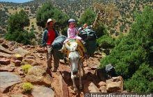 Wędrówka przez góry Atlas w Maroku
